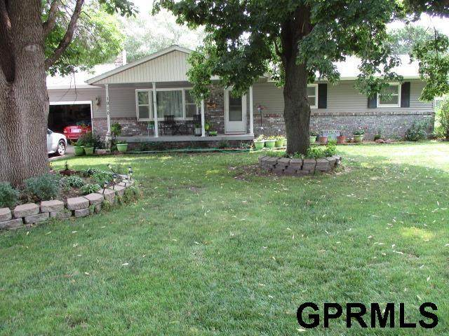 1910 G Street, Fairbury, NE 68352 (MLS #22116434) :: Omaha Real Estate Group