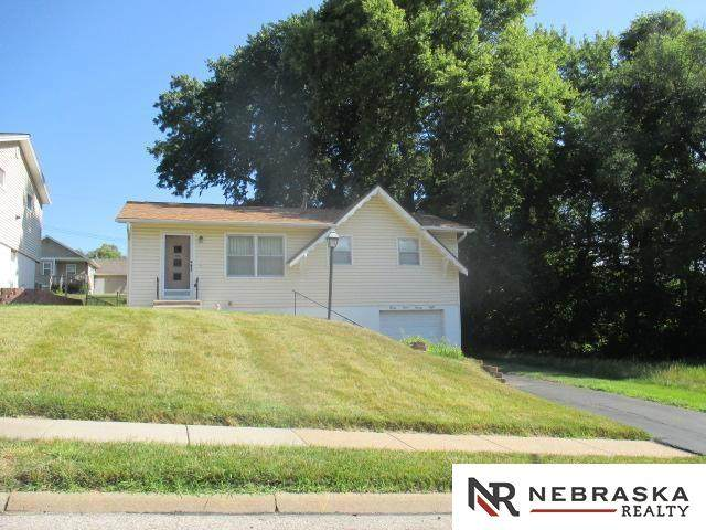 3328 Pratt Street, Omaha, NE 68111 (MLS #22117593) :: Dodge County Realty Group