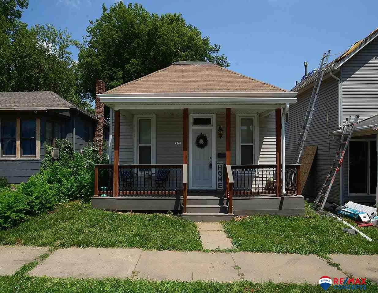 936 Washington Street - Photo 1
