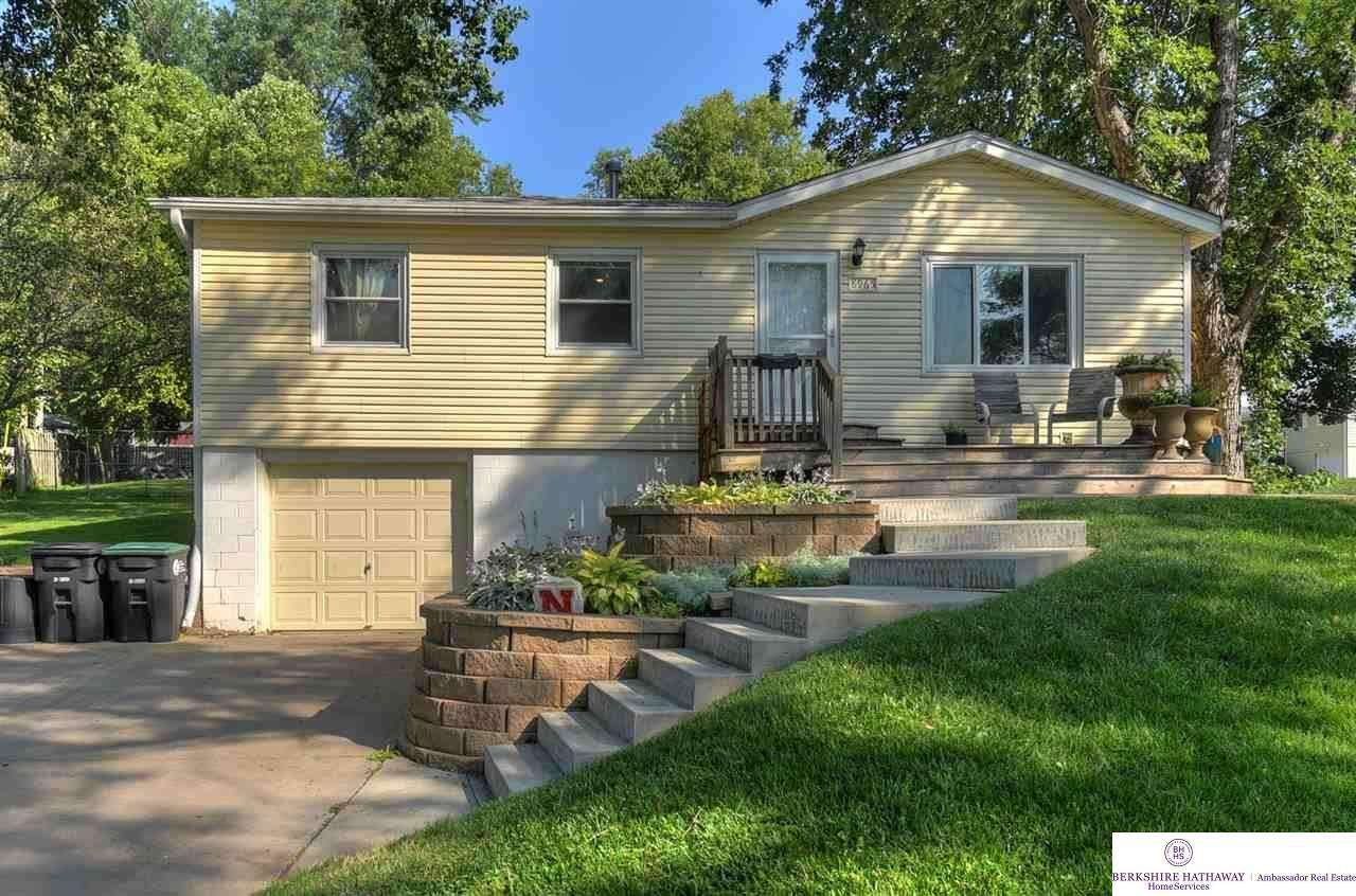 8965 Laurie Circle - Photo 1