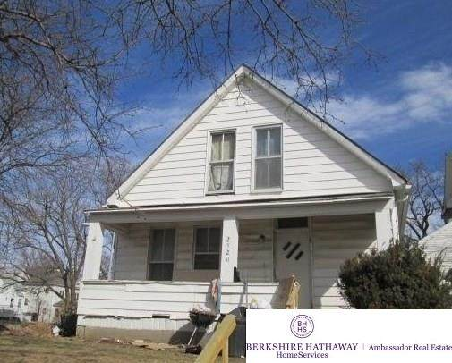 2520 F Street, Omaha, NE 68107 (MLS #22119521) :: kwELITE