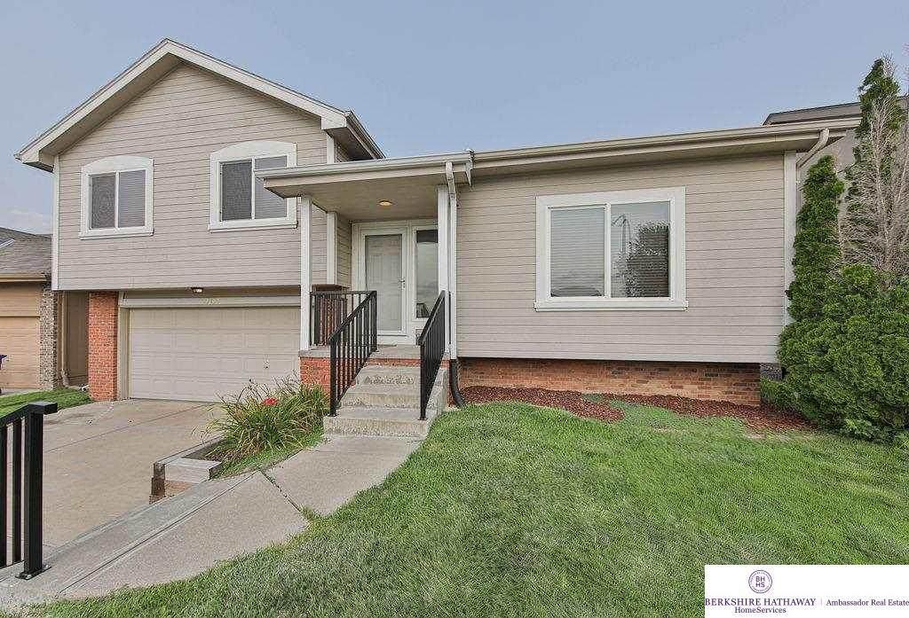 13807 Springview Drive - Photo 1