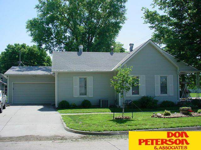 704 E Dodge Street, Fremont, NE 68025 (MLS #22121217) :: Lincoln Select Real Estate Group