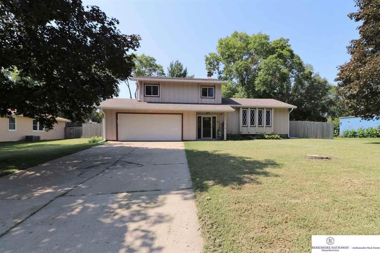 8614 Raven Oaks Drive - Photo 1