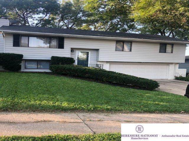 10909 Crown Point Avenue, Omaha, NE 68164 (MLS #22121883) :: Dodge County Realty Group