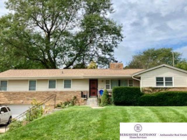 678 Parkwood Lane, Omaha, NE 68132 (MLS #22122198) :: Don Peterson & Associates