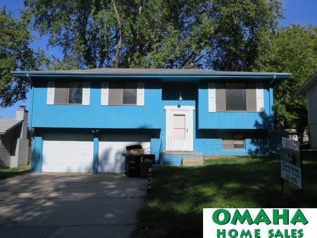 13826 W Circle, Omaha, NE 68137 (MLS #22122364) :: Lincoln Select Real Estate Group