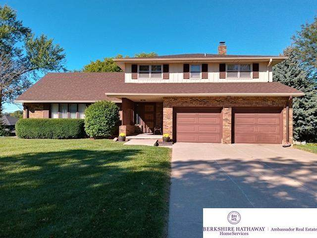 4930 N 104 Street, Omaha, NE 68134 (MLS #22122572) :: Elevation Real Estate Group at NP Dodge