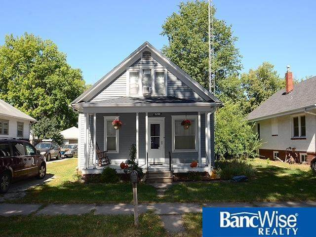 3250 Orchard Street, Lincoln, NE 68503 (MLS #22122765) :: Cindy Andrew Group