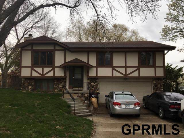15730 Valley Street, Omaha, NE 68130 (MLS #22123587) :: Lincoln Select Real Estate Group