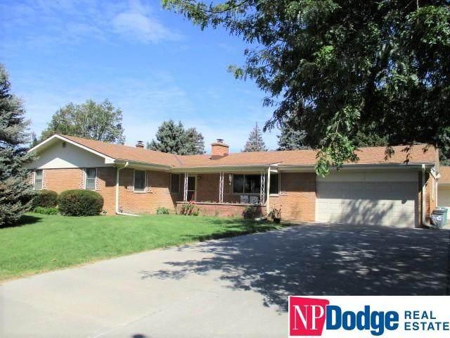 11930 Woolworth Avenue, Omaha, NE 68144 (MLS #22124014) :: Omaha Real Estate Group