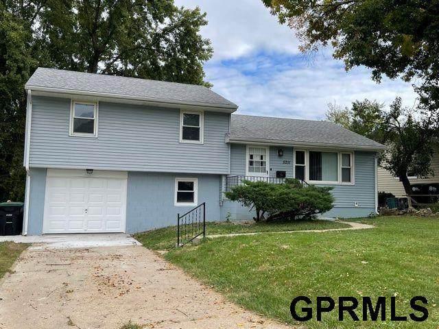 5211 N 49 Avenue, Omaha, NE 68104 (MLS #22124263) :: Lincoln Select Real Estate Group