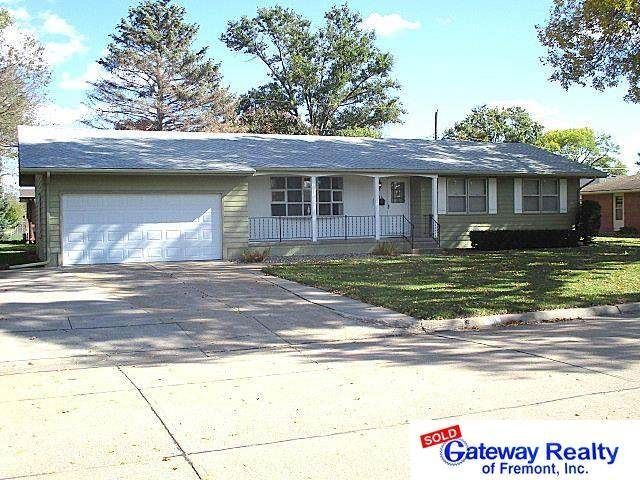 2446 Fairway Drive, Fremont, NE 68025 (MLS #22124819) :: Don Peterson & Associates