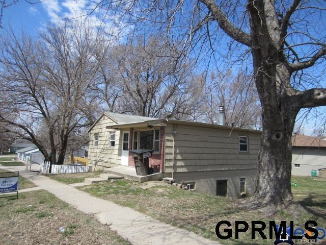 900 902 W Dawes Avenue, Lincoln, NE 68521 (MLS #L10152465) :: Dodge County Realty Group