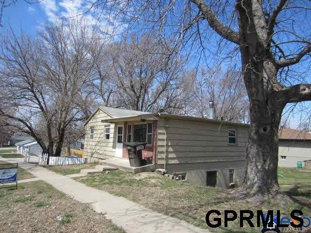 900 902 W Dawes Avenue, Lincoln, NE 68521 (MLS #L10152925) :: Dodge County Realty Group