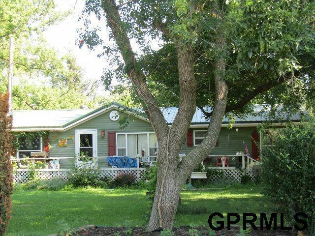 710 Elm, Gresham, NE 68367 (MLS #L10153809) :: Complete Real Estate Group
