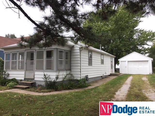 404 S Pine Street, Valley, NE 68064 (MLS #21717286) :: Omaha's Elite Real Estate Group