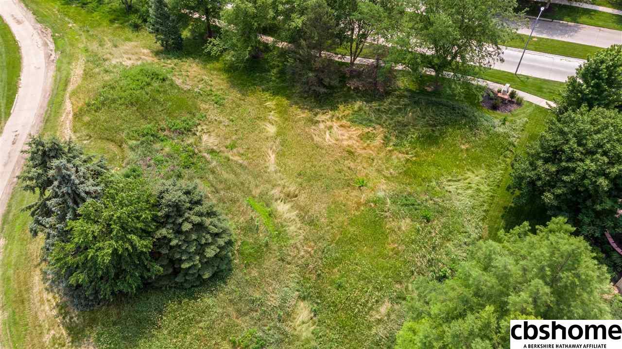 Charmant 18180 S Shadow Ridge Drive Omaha, NE 68130