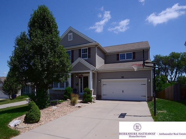 1207 N 207th Circle, Omaha, NE 68022 (MLS #21818162) :: Omaha's Elite Real Estate Group