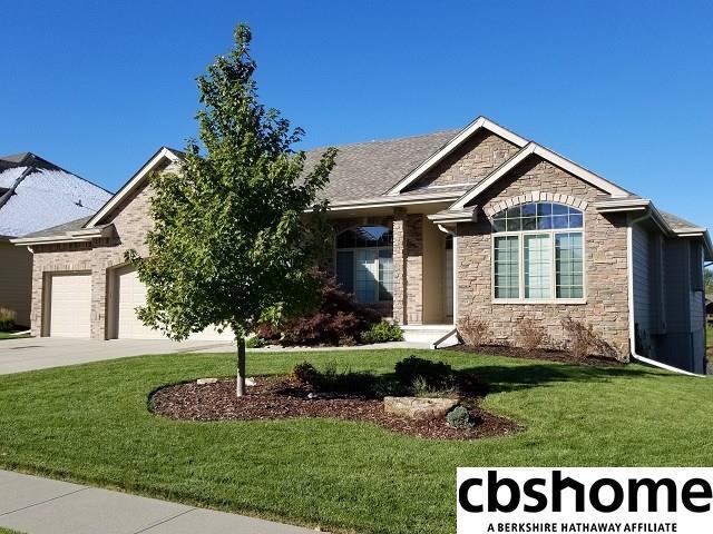 7922 Shadow Lake Drive, Papillion, NE 68046 (MLS #21818947) :: The Briley Team