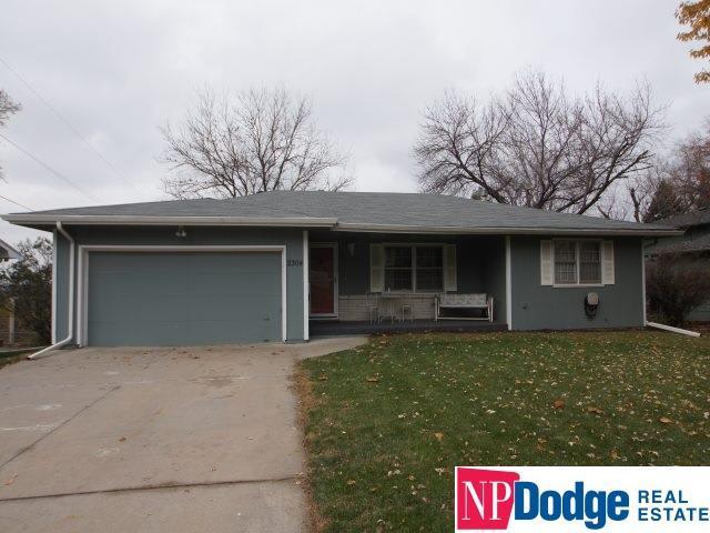 2304 N 104 Circle, Omaha, NE 68134 (MLS #21820265) :: Omaha Real Estate Group
