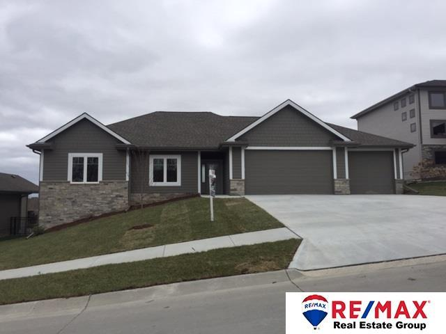 911 S 185th Street, Elkhorn, NE 68022 (MLS #21903096) :: Complete Real Estate Group