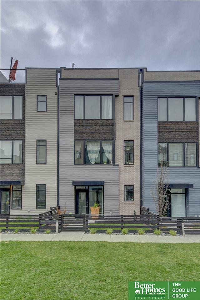 1208 S 10th Court, Omaha, NE 68108 (MLS #21906440) :: Omaha Real Estate Group