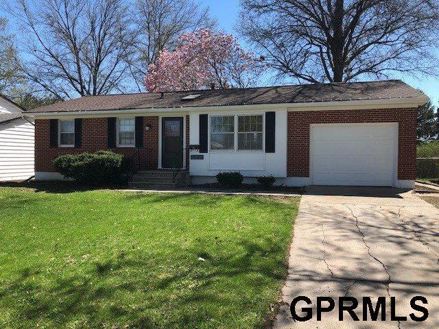 12905 A Street, Omaha, NE 68144 (MLS #21906985) :: Omaha's Elite Real Estate Group