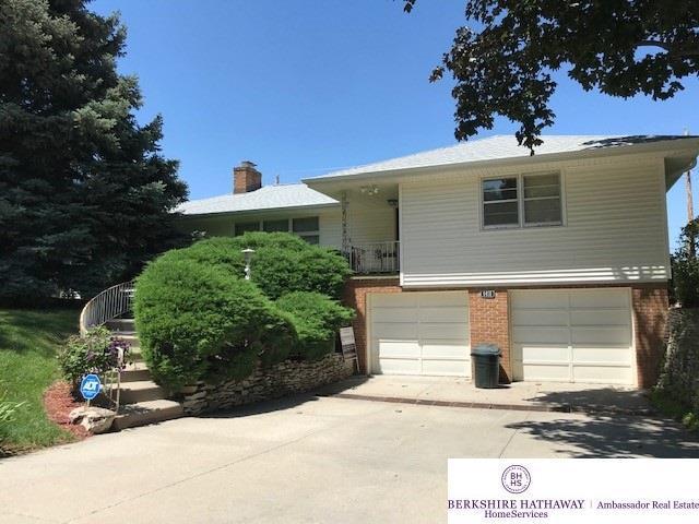 6418 Glenwood Road, Omaha, NE 68132 (MLS #21912375) :: Complete Real Estate Group