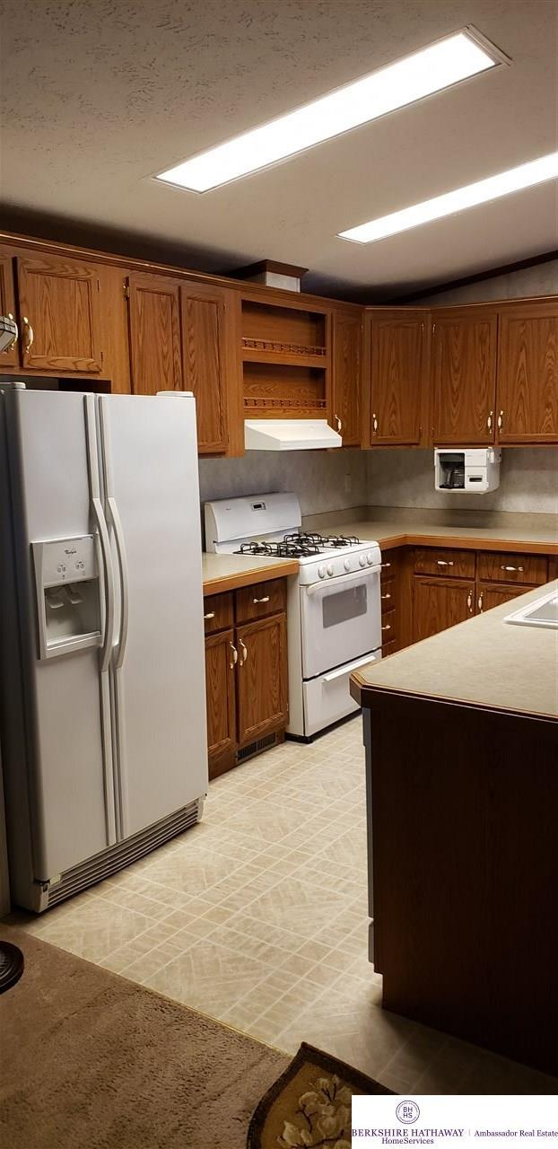 7804 N 101 Plaza, Omaha, NE 68122 (MLS #21915216) :: One80 Group/Berkshire Hathaway HomeServices Ambassador Real Estate