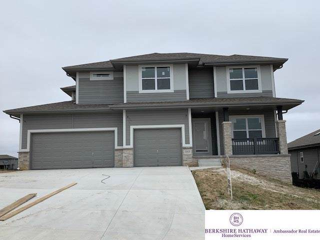 18410 Schofield Drive, Omaha, NE 68136 (MLS #21920622) :: Lincoln Select Real Estate Group