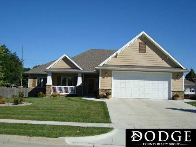2412 Heritage Lane, Fremont, NE 68025 (MLS #21923099) :: Omaha's Elite Real Estate Group
