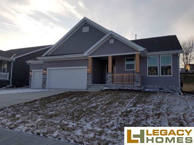 7908 S 185th Street, Omaha, NE 68136 (MLS #21926063) :: Lincoln Select Real Estate Group