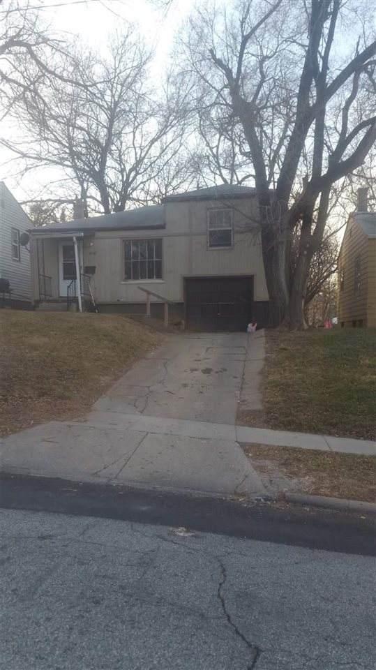 3740 N 42 Street, Omaha, NE 68111 (MLS #22001680) :: Complete Real Estate Group