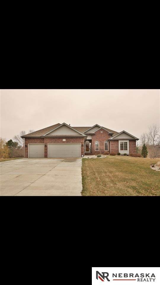12012 S 203 Street, Gretna, NE 68028 (MLS #22006939) :: Catalyst Real Estate Group