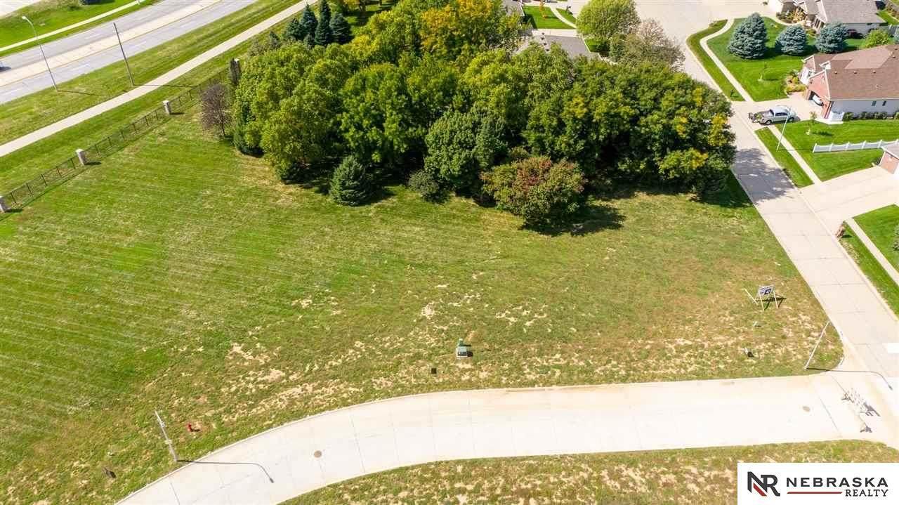 889 Arbor Drive - Photo 1