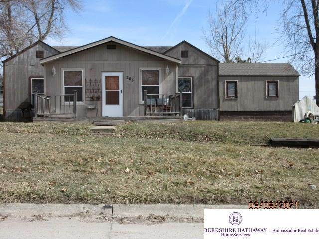 205 Maple Street, Kennard, NE 68034 (MLS #22102582) :: Lincoln Select Real Estate Group