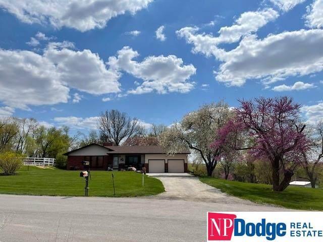 17314 Club View Drive, Plattsmouth, NE 68048 (MLS #22113406) :: Omaha Real Estate Group