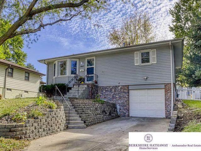 8537 Lakeview Drive, Omaha, NE 68127 (MLS #22123443) :: Don Peterson & Associates
