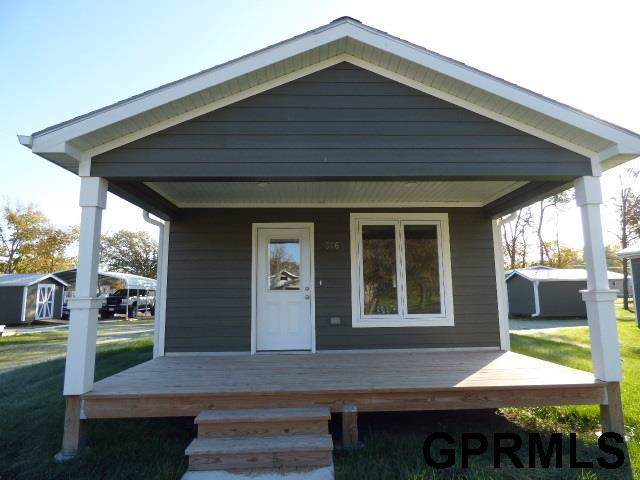 308 Graham Street, Beatrice, NE 68310 (MLS #T11602) :: Dodge County Realty Group