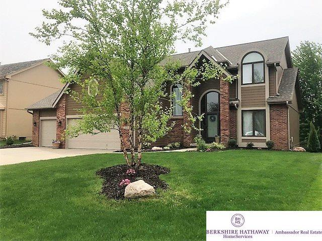 1920 S 182 Circle, Omaha, NE 68130 (MLS #21805897) :: Complete Real Estate Group
