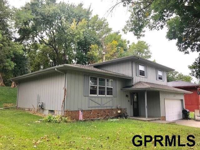 3505 Lynnwood Drive, Bellevue, NE 68123 (MLS #21920880) :: Omaha's Elite Real Estate Group