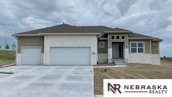 11302 Port Royal Drive, Papillion, NE 68046 (MLS #22007110) :: Complete Real Estate Group
