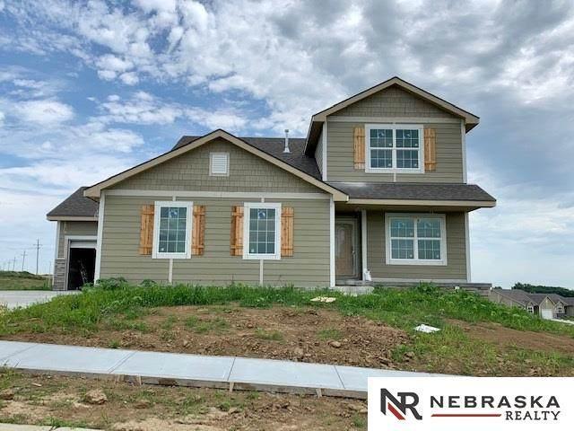 4508 Lawnwood Drive, Papillion, NE 68133 (MLS #22008345) :: One80 Group/Berkshire Hathaway HomeServices Ambassador Real Estate