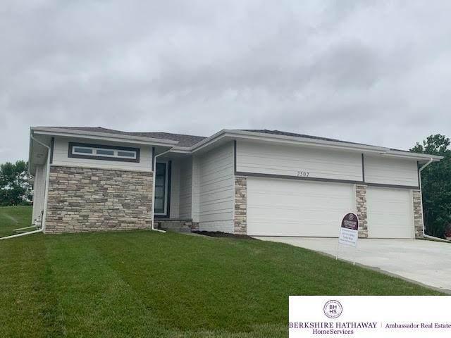 2502 N 167 Street, Omaha, NE 68116 (MLS #22015332) :: Cindy Andrew Group