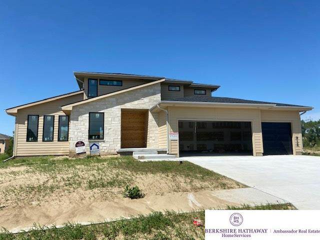 3102 N 184th Street, Elkhorn, NE 68022 (MLS #22017030) :: The Homefront Team at Nebraska Realty