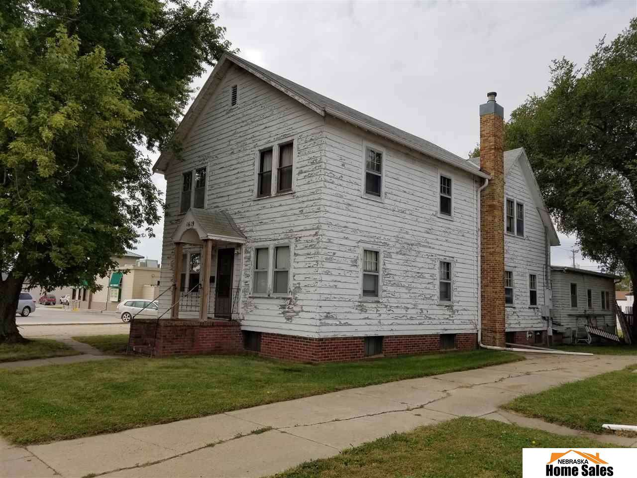 1619 Lincoln Avenue - Photo 1