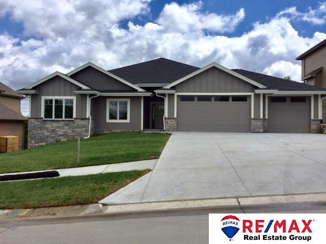 911 S 185th Street, Omaha, NE 68022 (MLS #21817313) :: Complete Real Estate Group
