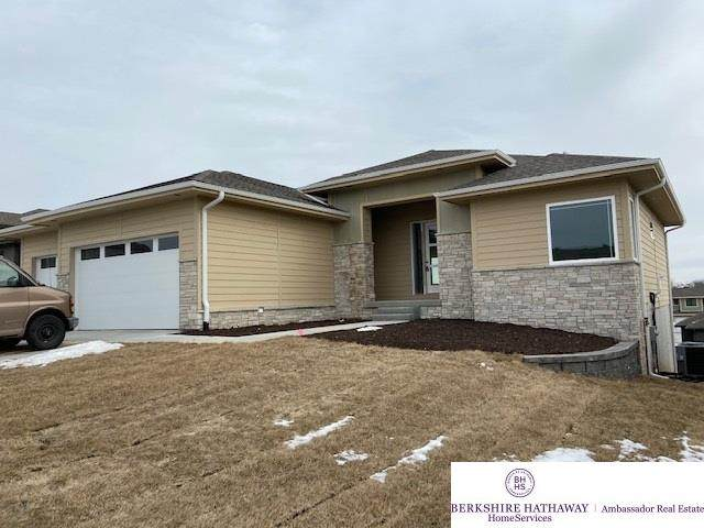 1711 S 208th Street, Elkhorn, NE 68022 (MLS #21922937) :: Dodge County Realty Group