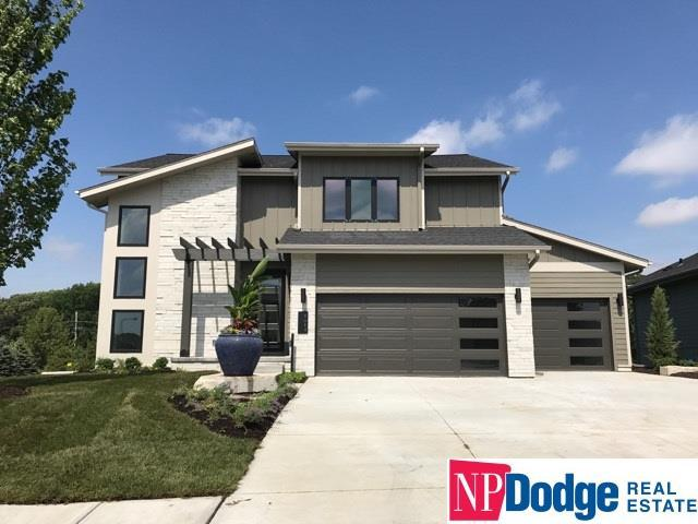 1614 S 221 Circle, Omaha, NE 68022 (MLS #21709562) :: Nebraska Home Sales